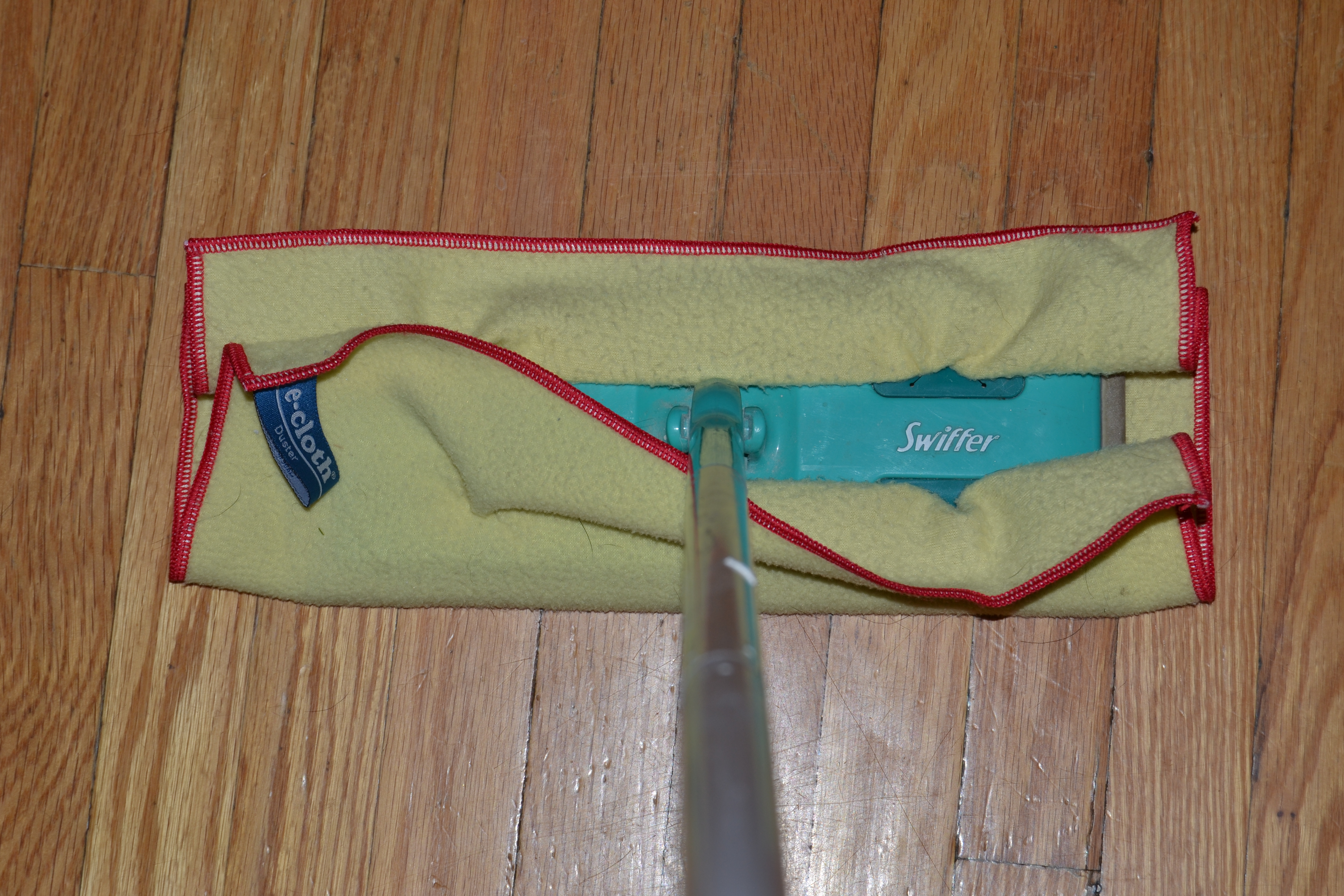 ecloth washable & reusable Dusting Microfiber Cloth - fits easily onto my Swiffer