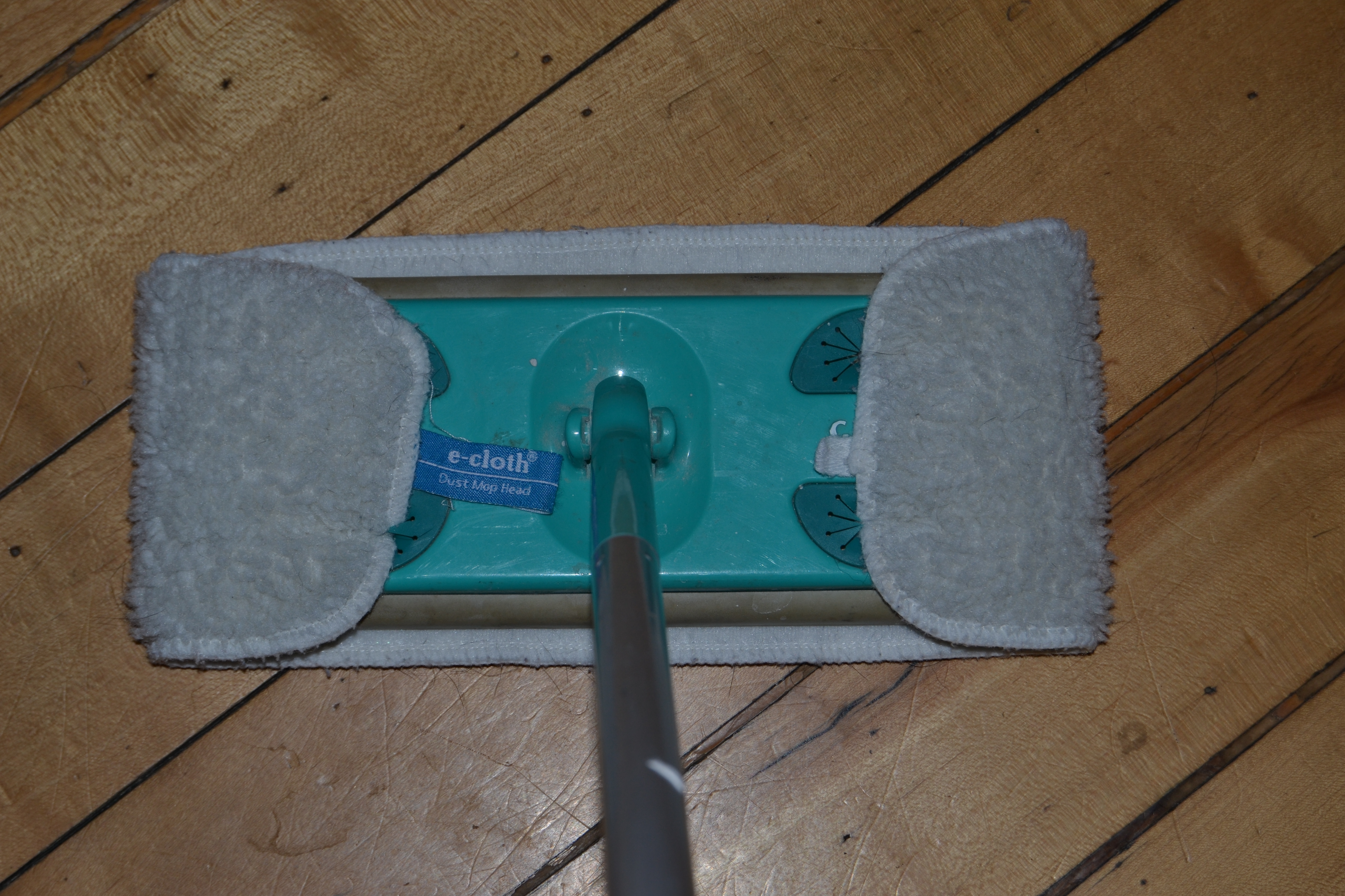 ecloth washable microfiber dust mop pad fits on swiffer